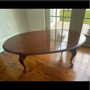 Ethan Allen Georgian Court Oval Coffee TABLE 8330